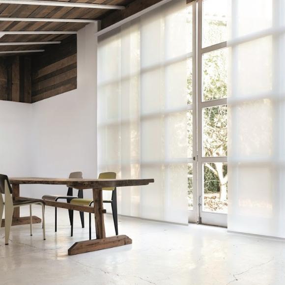 Zonnelux paneelgordijnen zijn verkrijgbaar bij Vanderhaeghe Interieur